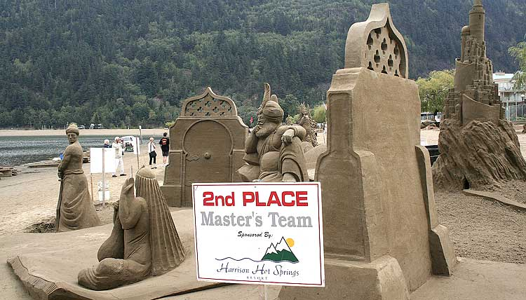 figuras en la arena  Sand_sculptures_04
