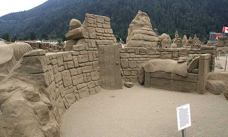 figuras en la arena  Sand_sculptures_16