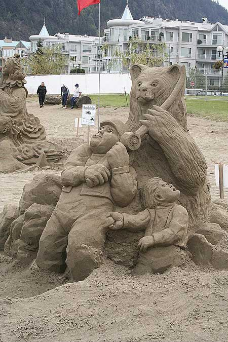 figuras en la arena  Sand_sculptures_22