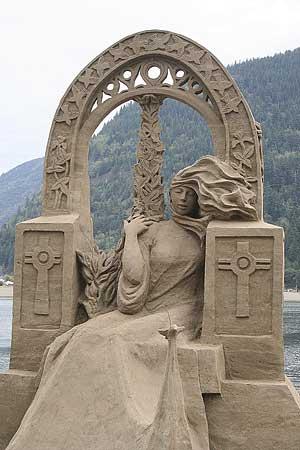 figuras en la arena  Sand_sculptures_31