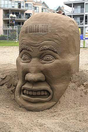 figuras en la arena  Sand_sculptures_35